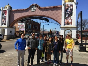 Mike Amezcua and his students tour Chicago Latino neighborhoods
